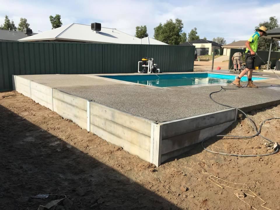 'JJ Brown Construction Albury Wodonga Contreting Retaining walls Driveways